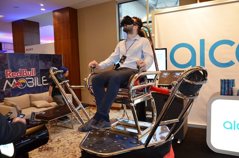 Atrakcje na imprezę firmową: fotel wirtualnej rzeczywistości